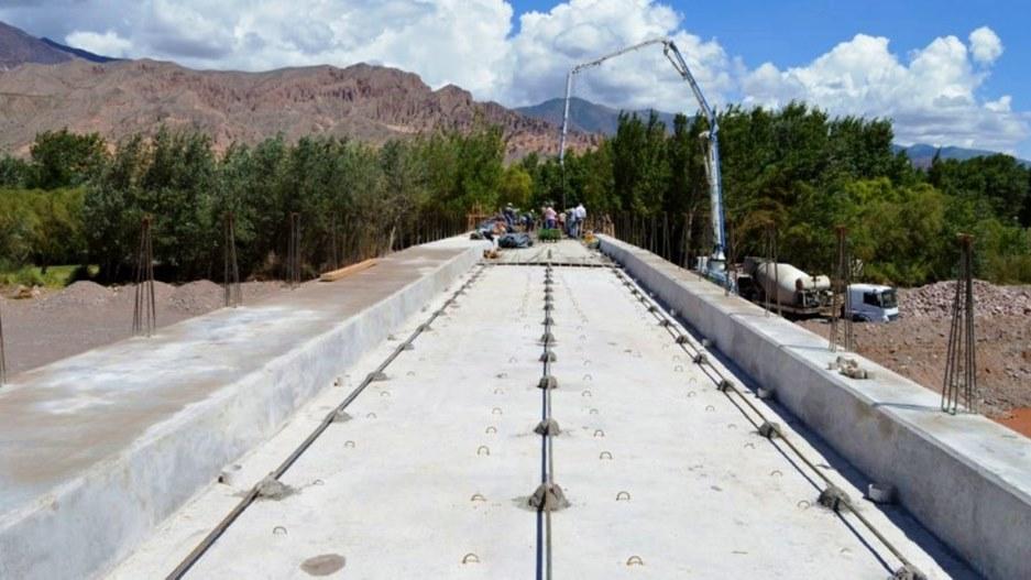 Avanzan las obras en el nuevo puente de Maimará