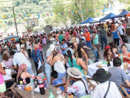 Carnaval 18: Las comadres se divirtieron a lo grande