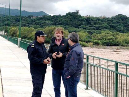 Intensas tareas ante las crecientes y desbordes de ríos