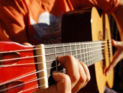 Curso de iniciación en Guitarra, en la UNJu