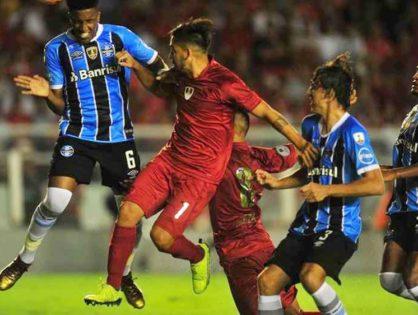 Independiente aguantó con 10 y empató con Gremio