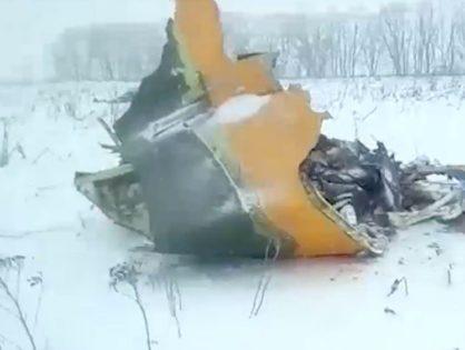 Cayó un avión ruso y murieron 71 personas