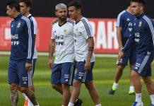 Selección Argentina entrenando para enfrentar a Qatar
