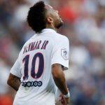 Neymar volvió al PSG y fue recibido con insultos
